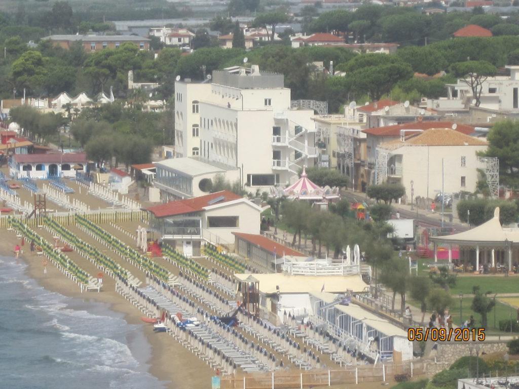 Сперлонга пляжи отмеченные Голубым Флагом.