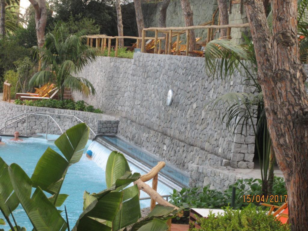 Сады Посейдона. Один из бассейнов.