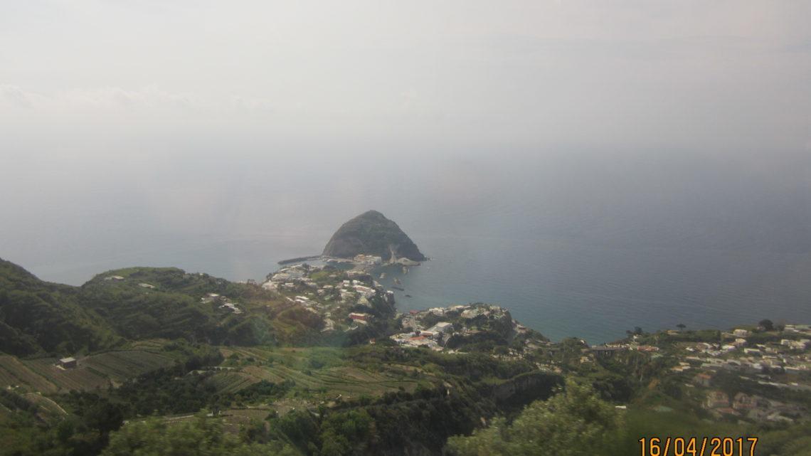 Сант-Анджело — одна из визитных карточек острова Искья.