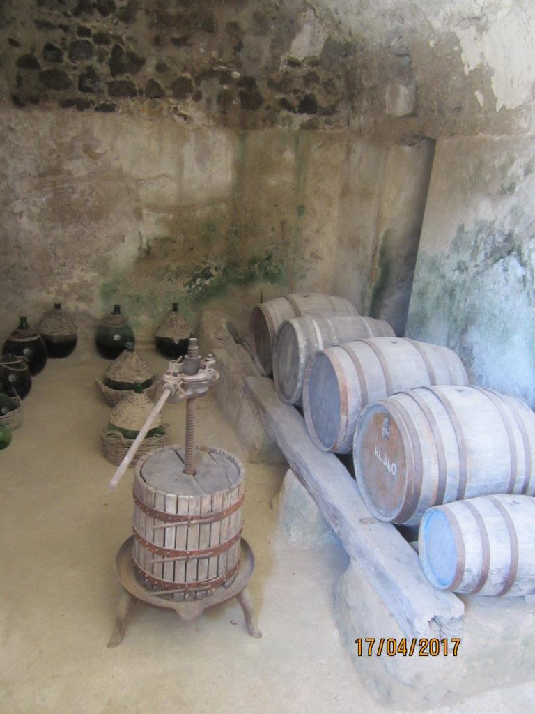 Арагонский замок. Винодельня.
