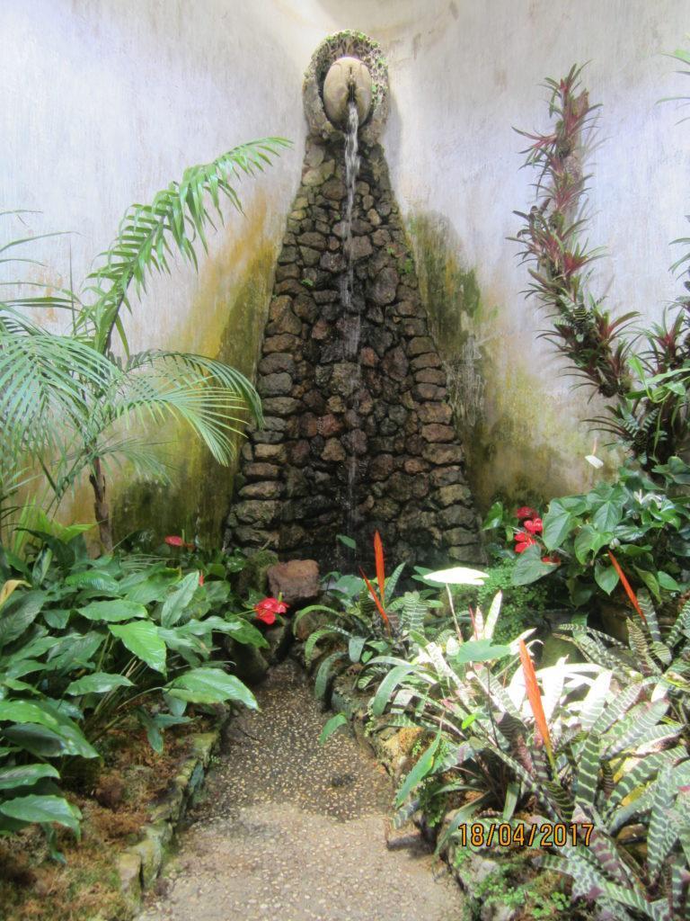 Сад Ла Мортелла. Храм Солнца -зал Жизни