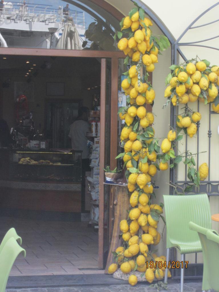 Прочида. Знаменитые лимоны острова