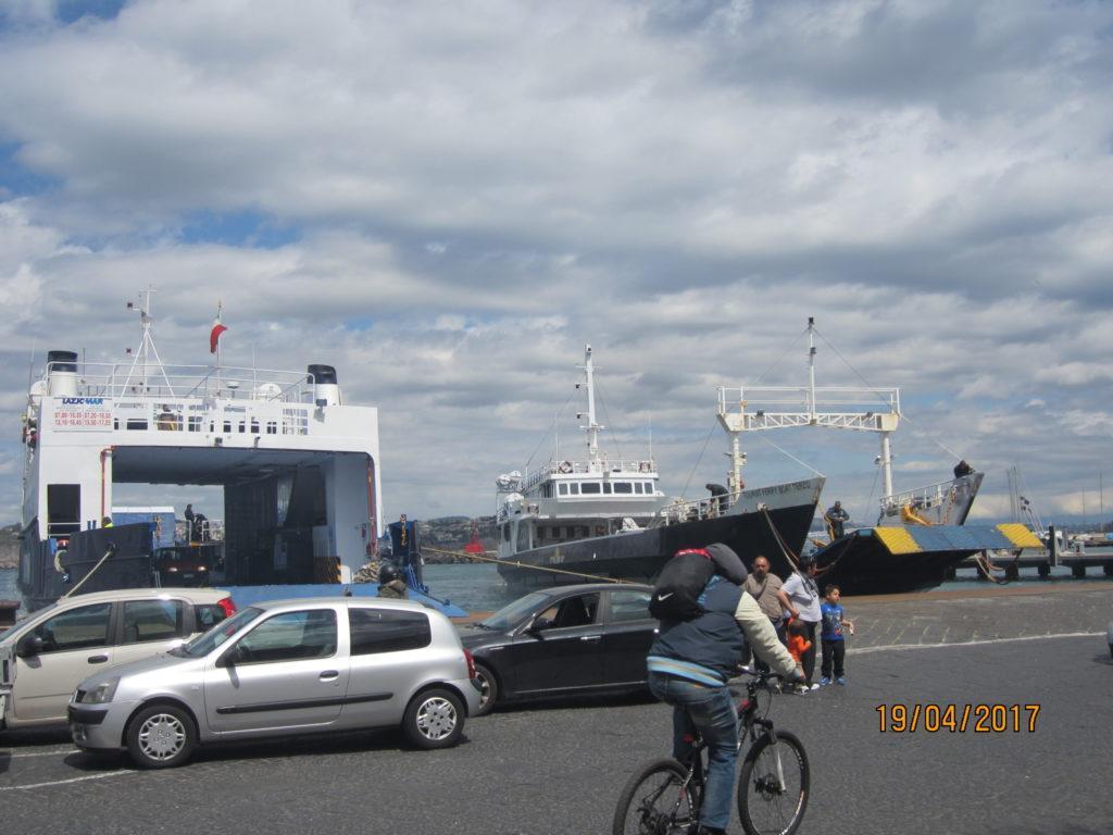 Искья-Порто. Суда в порту