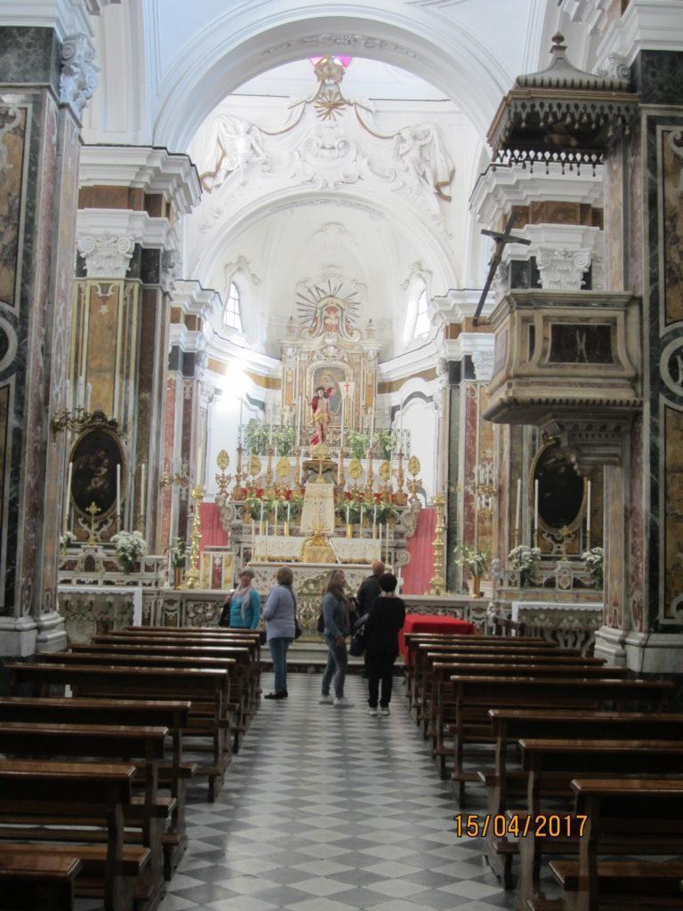 В церкви Форио на о. Искья