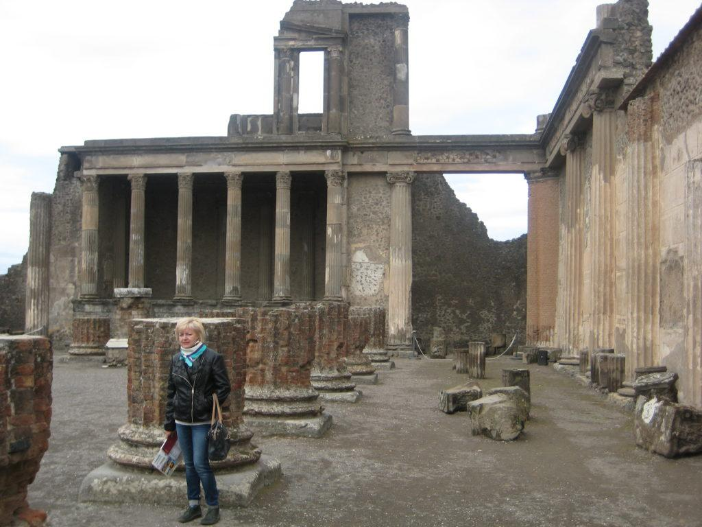 Помпеи (Pompei).