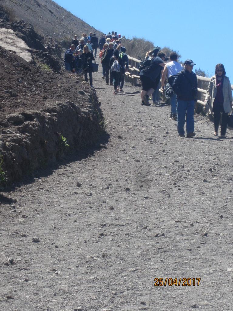 На вулкан Везувий.