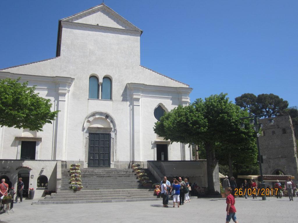 Равелло. Кафедральный собор Святого Пантелеймона.