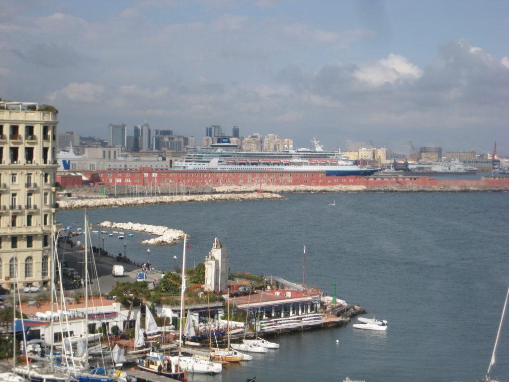 Порт Неаполя. Италия.