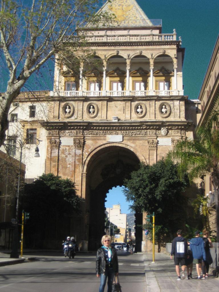 Палермо, Ворота Porta Nuova.