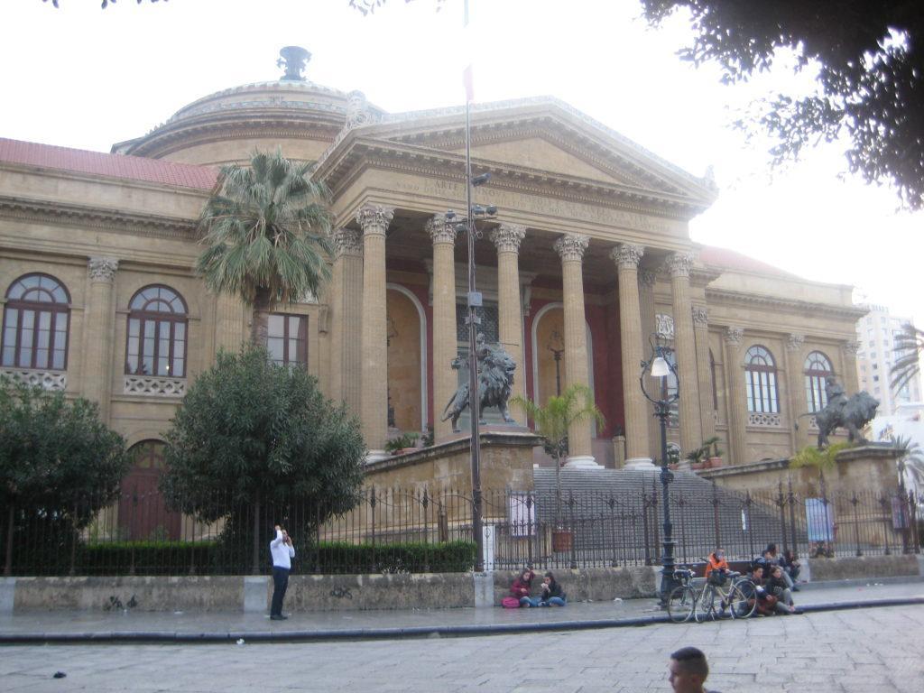 Театр Массимо. Палермо