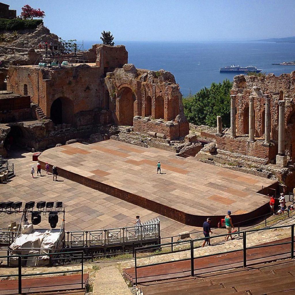 Античный Греческий театр в Таормина.