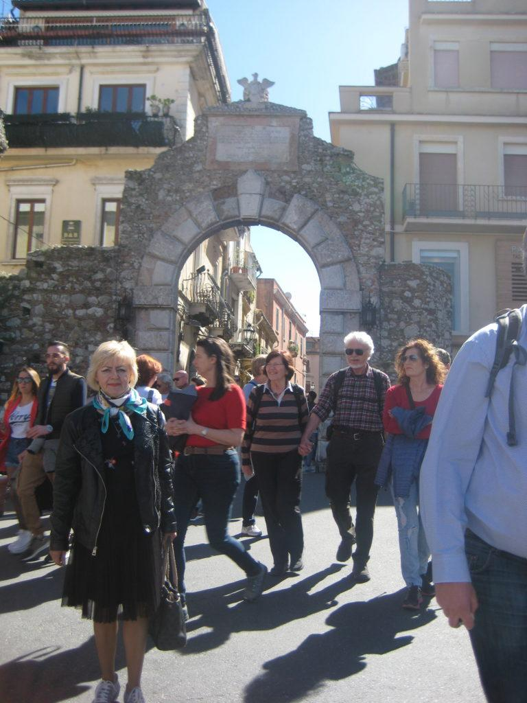 Таормина.Ворота Порта ди Мессина