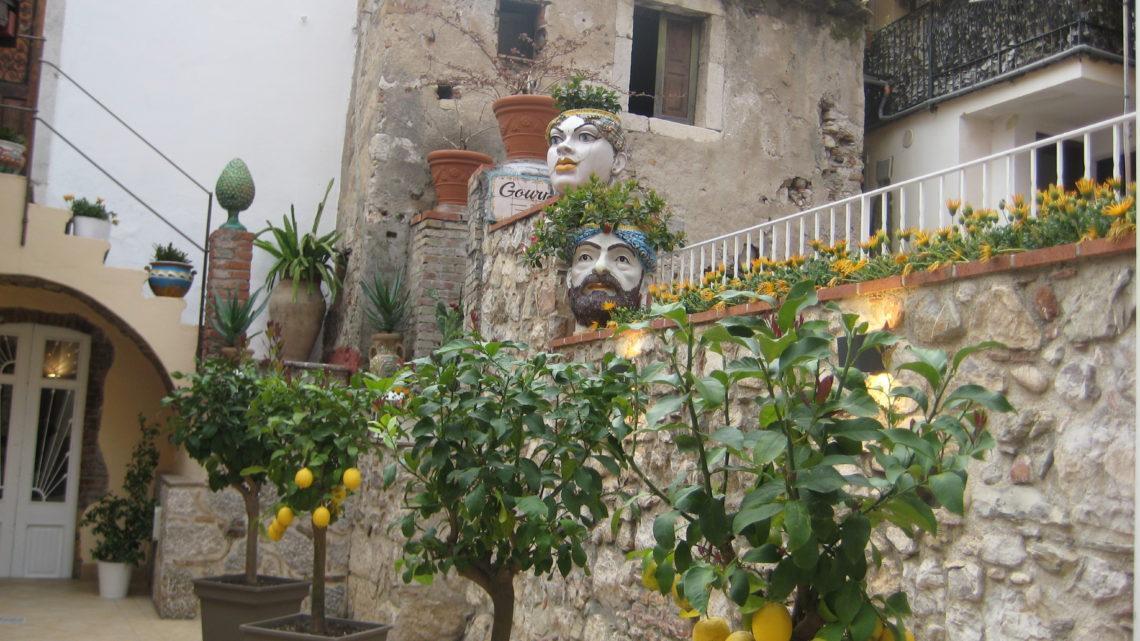 Таормина — престижный курорт Италии.