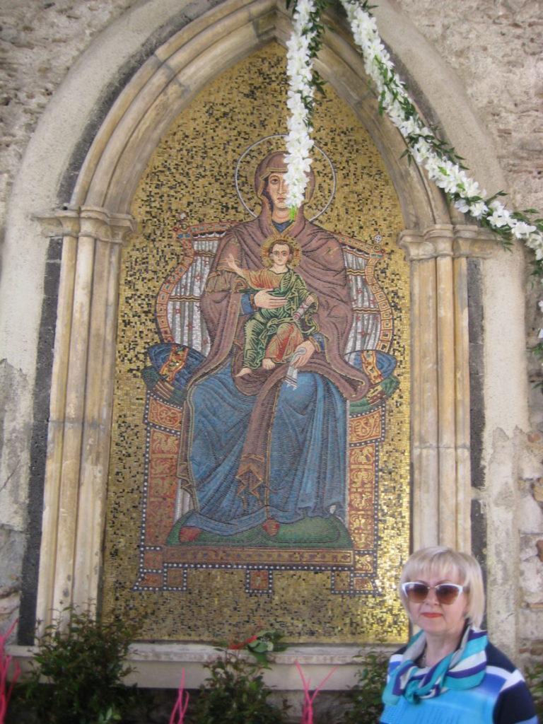 Таормина. Часовая башня. Икона Византийской
