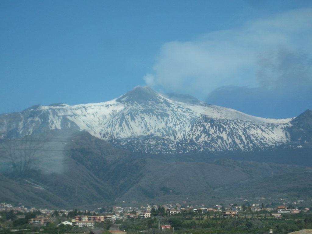 Италия. Сицилия. Вулкан Этна.