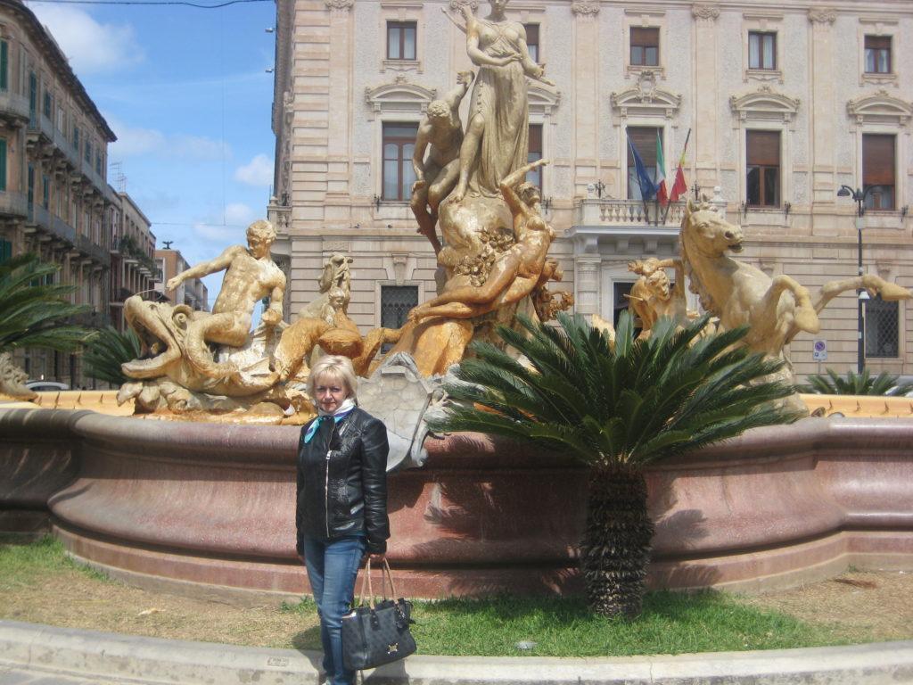 Сиракузы. Piazza Archimede. Фонтан Артемиды.
