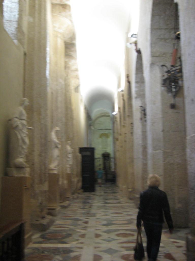 Сиракузы. Кафедральный собор. Интерьер