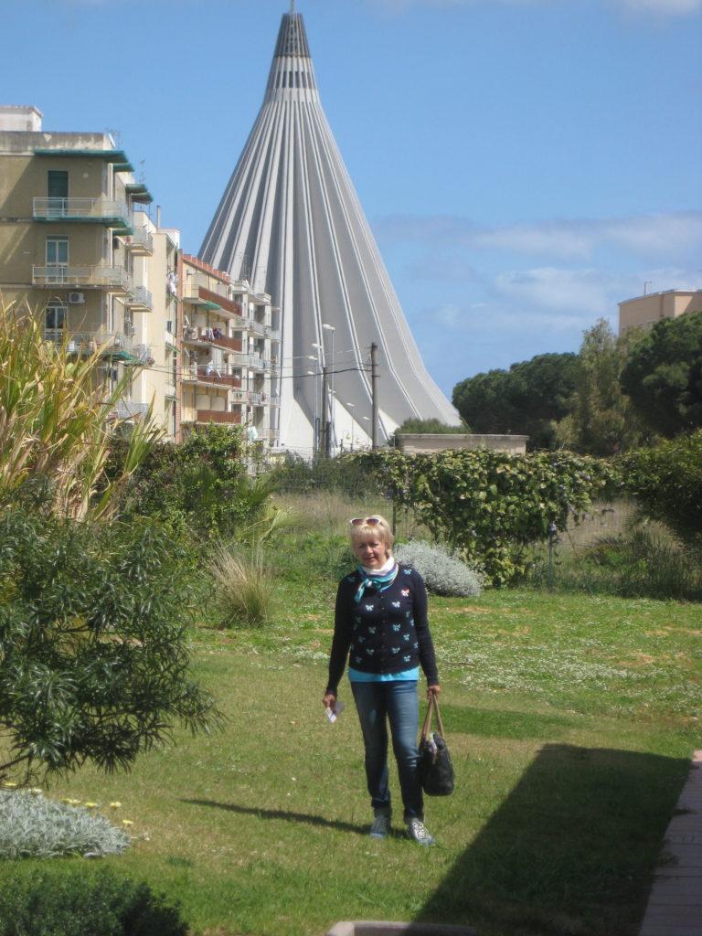 Сиракузы. Santuario della Madonna delle Lacrime.