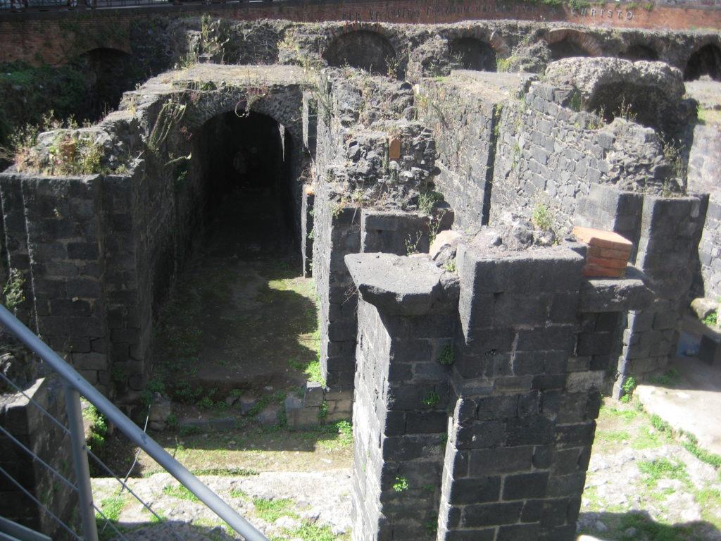 Римский амфитеатр на площади Стезикоро. Катания