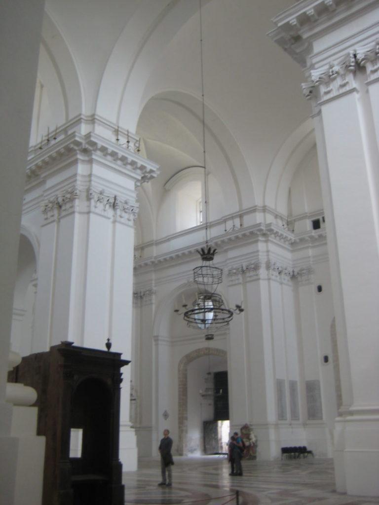 В церкви Святого Николая в Катании (Chiesa di San Nicolò)