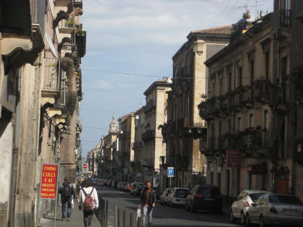 Улица в Катании.