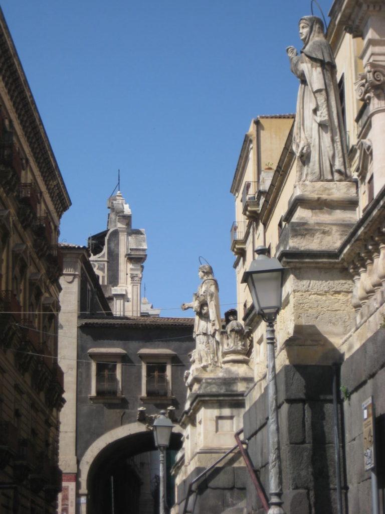 Площадь Сан-Франческо Ассизского в Катании.