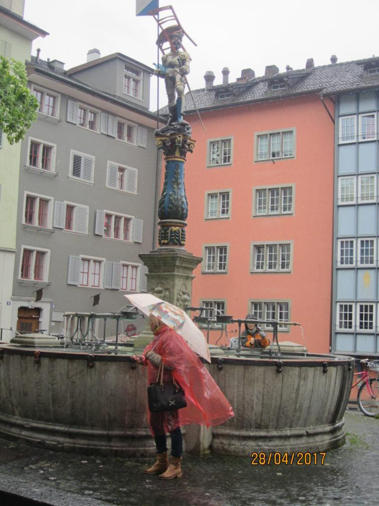 Zurich. Необычный фонтан