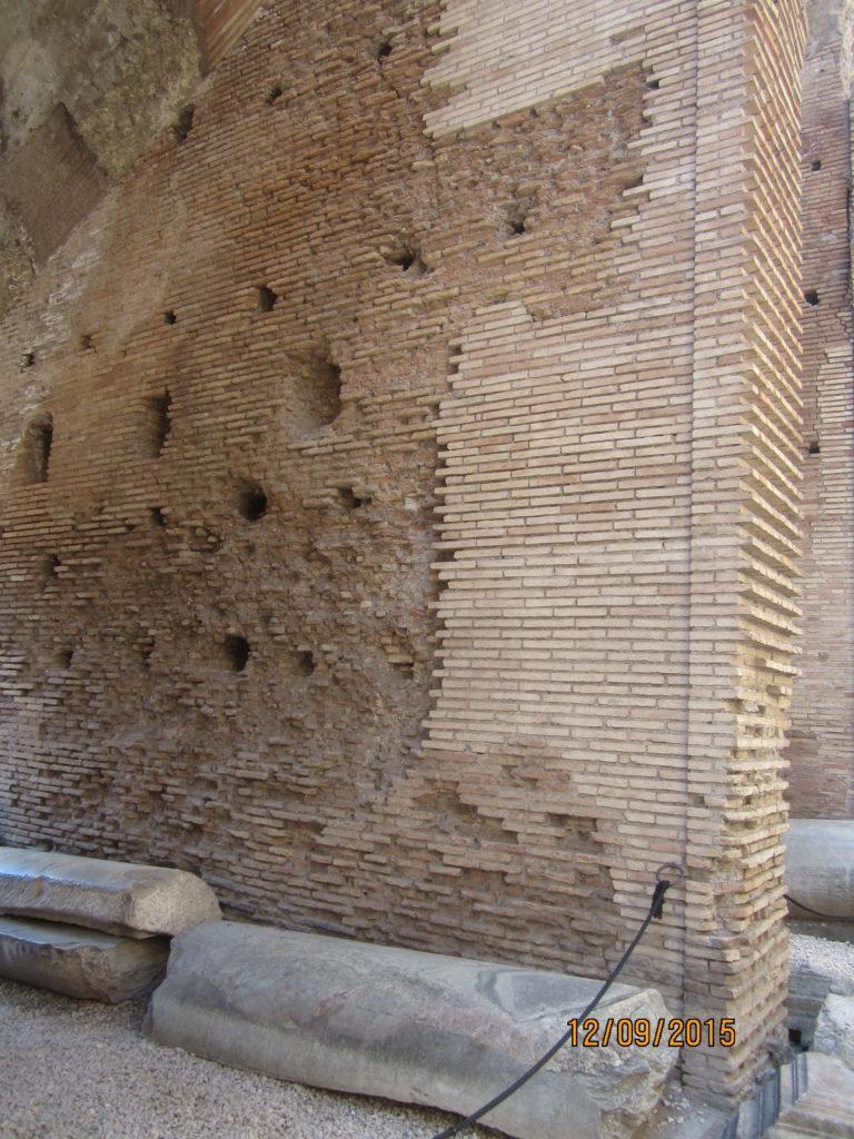 Кладка в Колизее