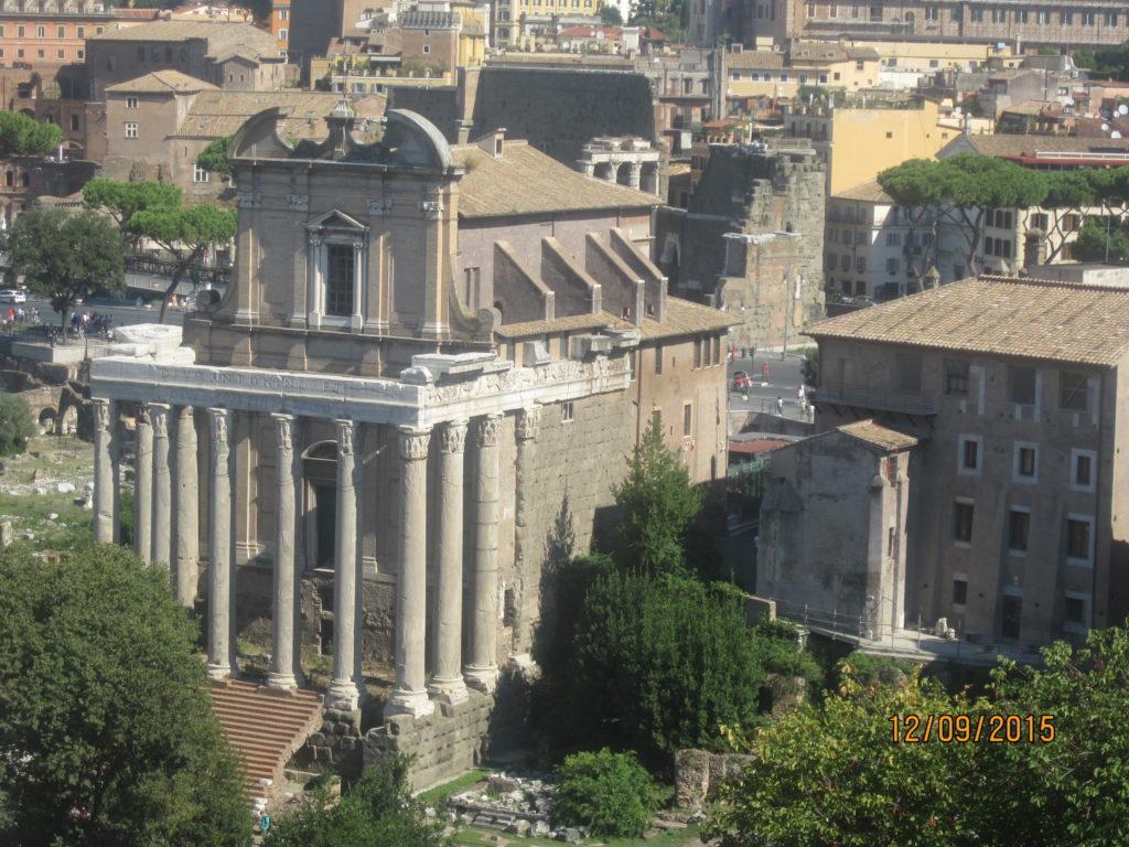 Один из храмов Римского Форума