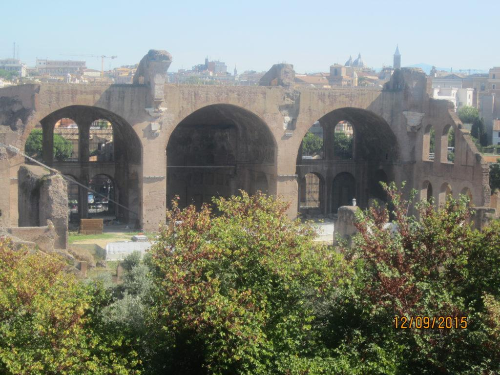 Базилика императоров Максенция и Константина