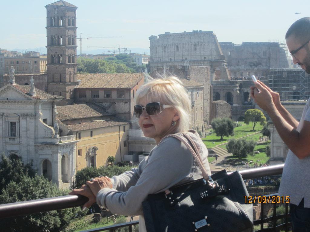 Античный Форум. Вид на Колизей