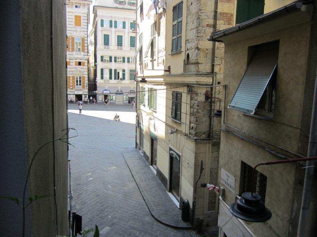 Вид с балкона la casa accanto al Duomo, на площадь С.-Лоренцо