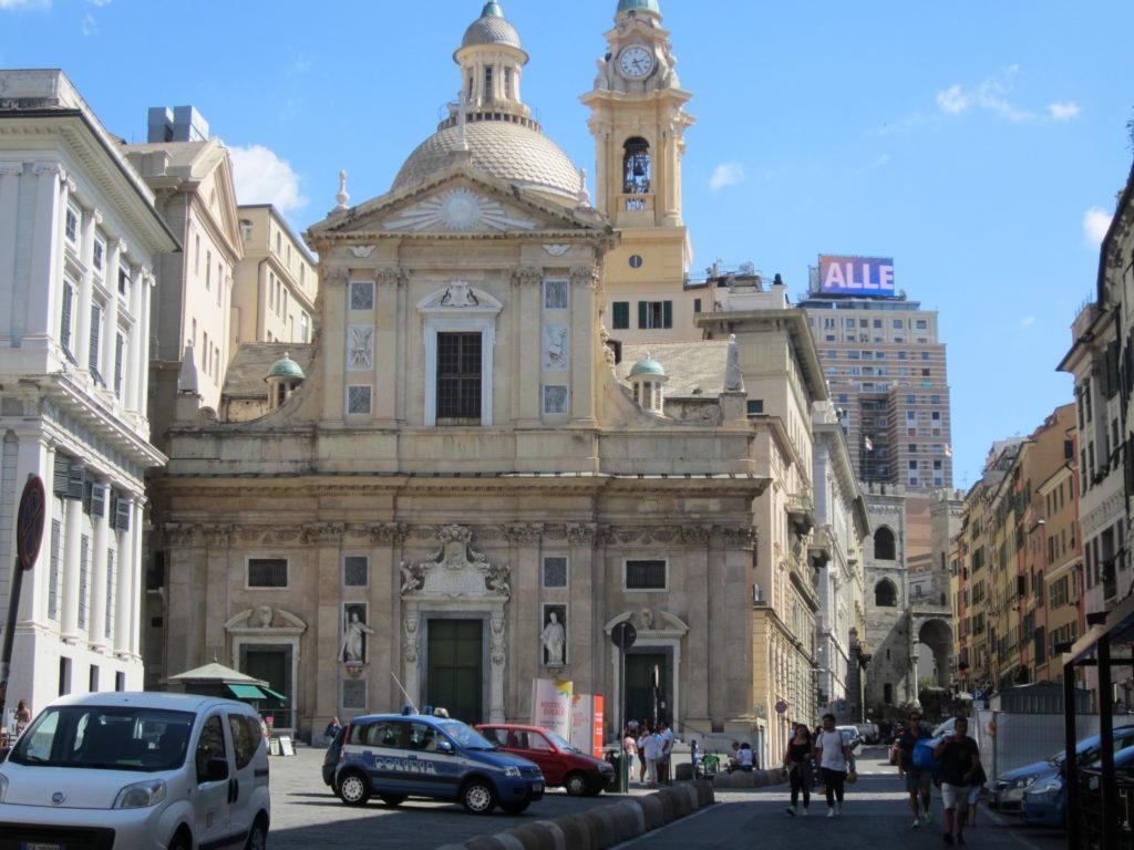 Церковь Иисуса на площади Маттеоти.