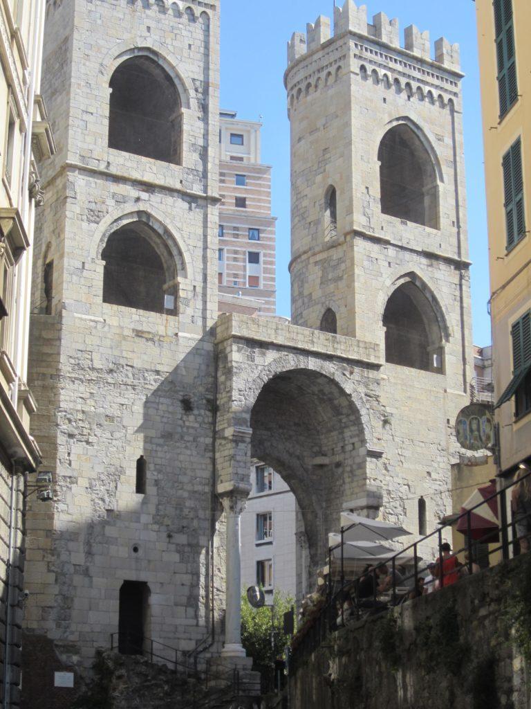 Ворота Порта Сопрана.
