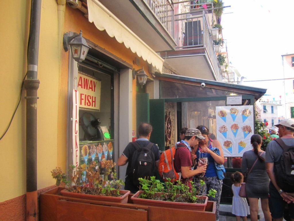 Рыбное кафе в Манарола.