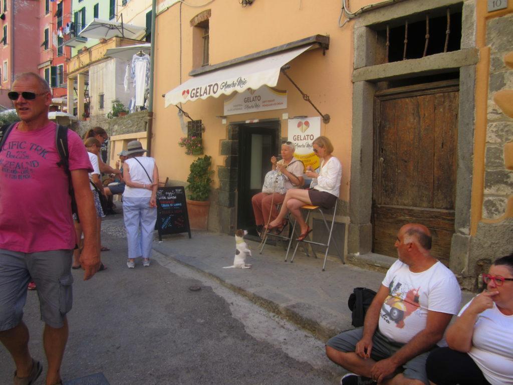 Улица в Вернацце. Джелато не дают!