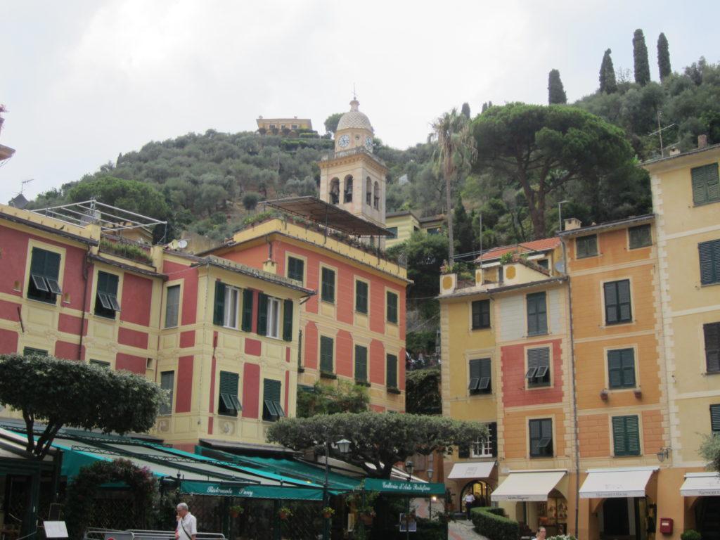 Центр Portofino.