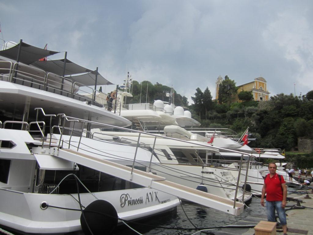 Яхты в гавани Портофино.
