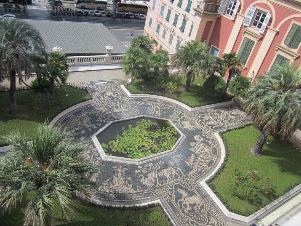Генуя. Дворик Palazzo Reale.