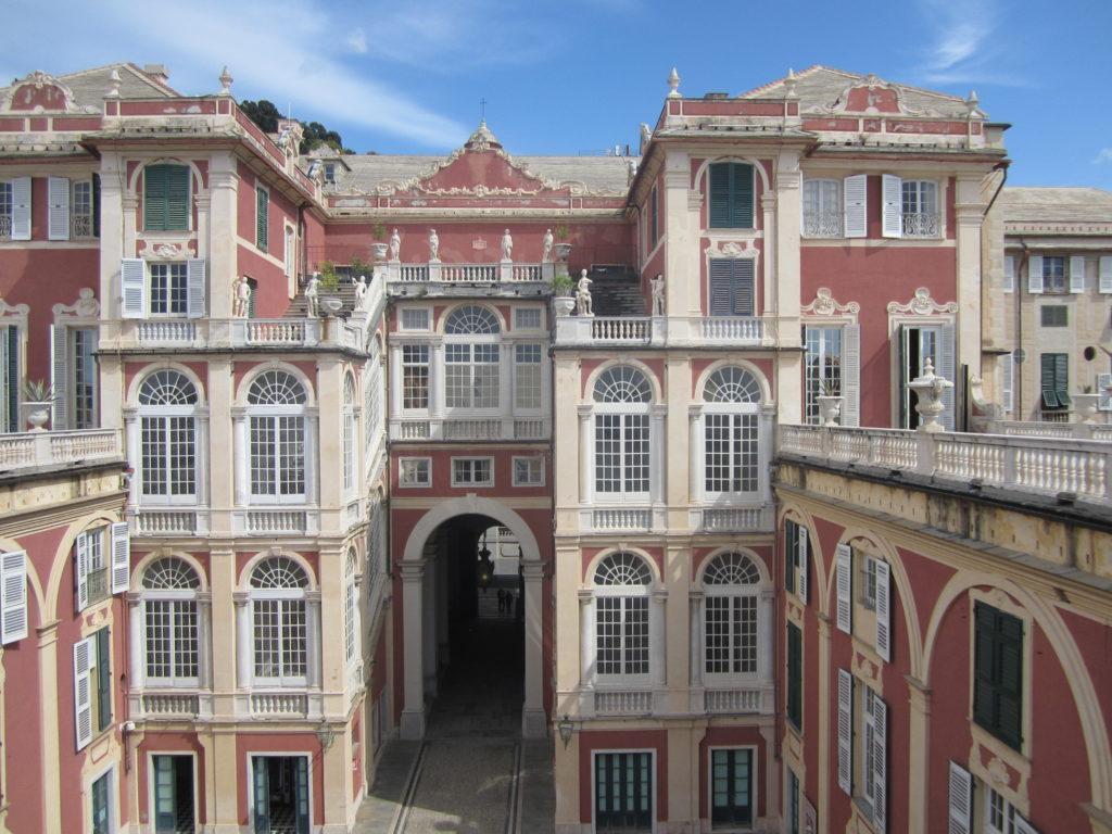 Генуя. Достопримечательность Palazzo Reale.
