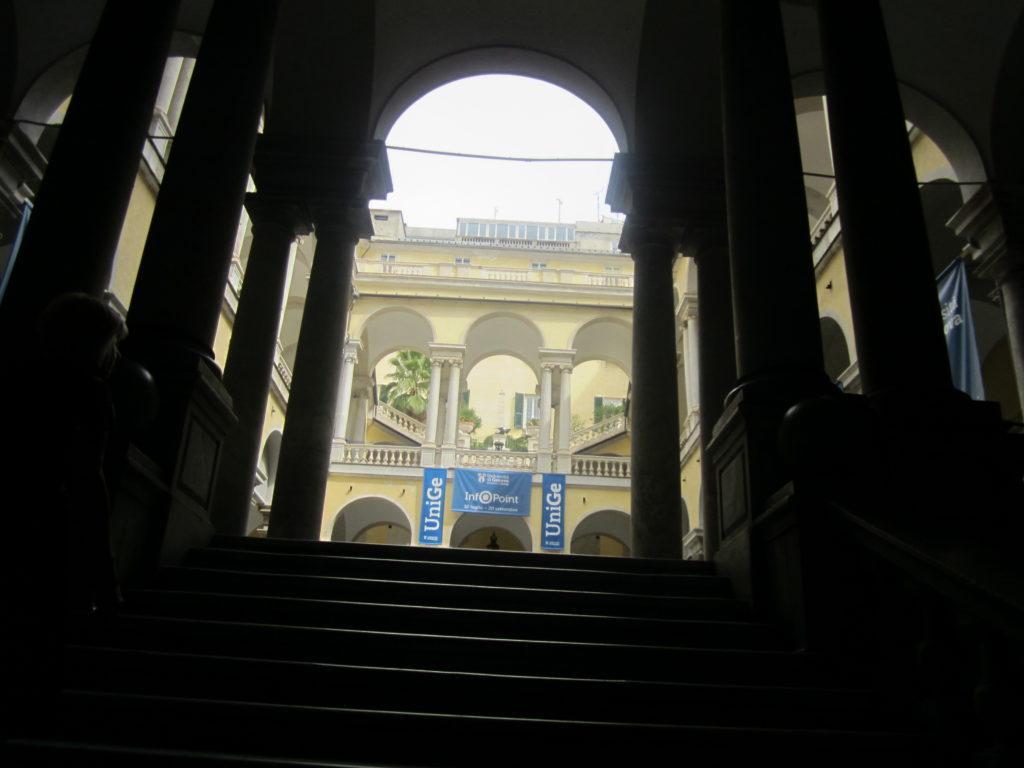 Вестибюль Генуэзского университета