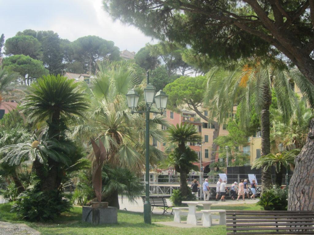 В Санта Маргарита Лигуре (Santa Margherita Ligure).