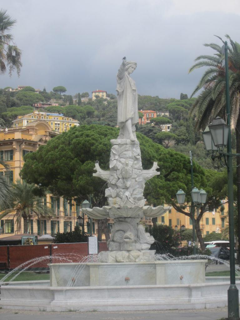 Santa Margherita Ligure. Памятник Христофору Колумбу