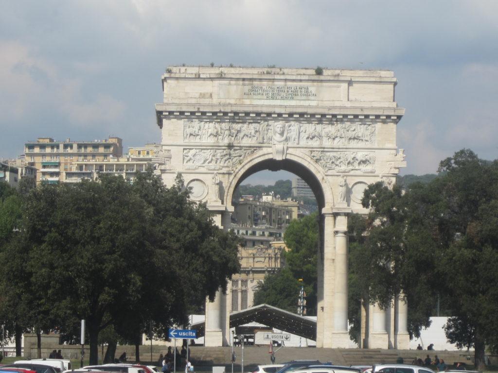 Генуя. Триумфальная арка