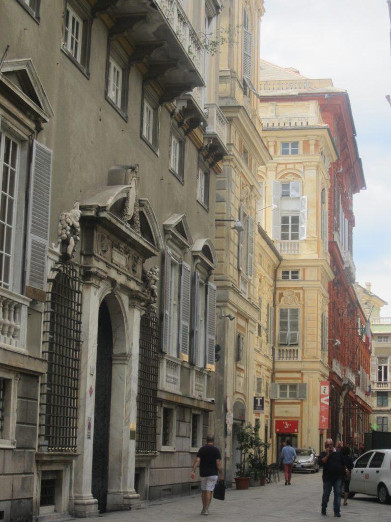 Знаменитая Via Giuseppe Garibaldi. Генуя
