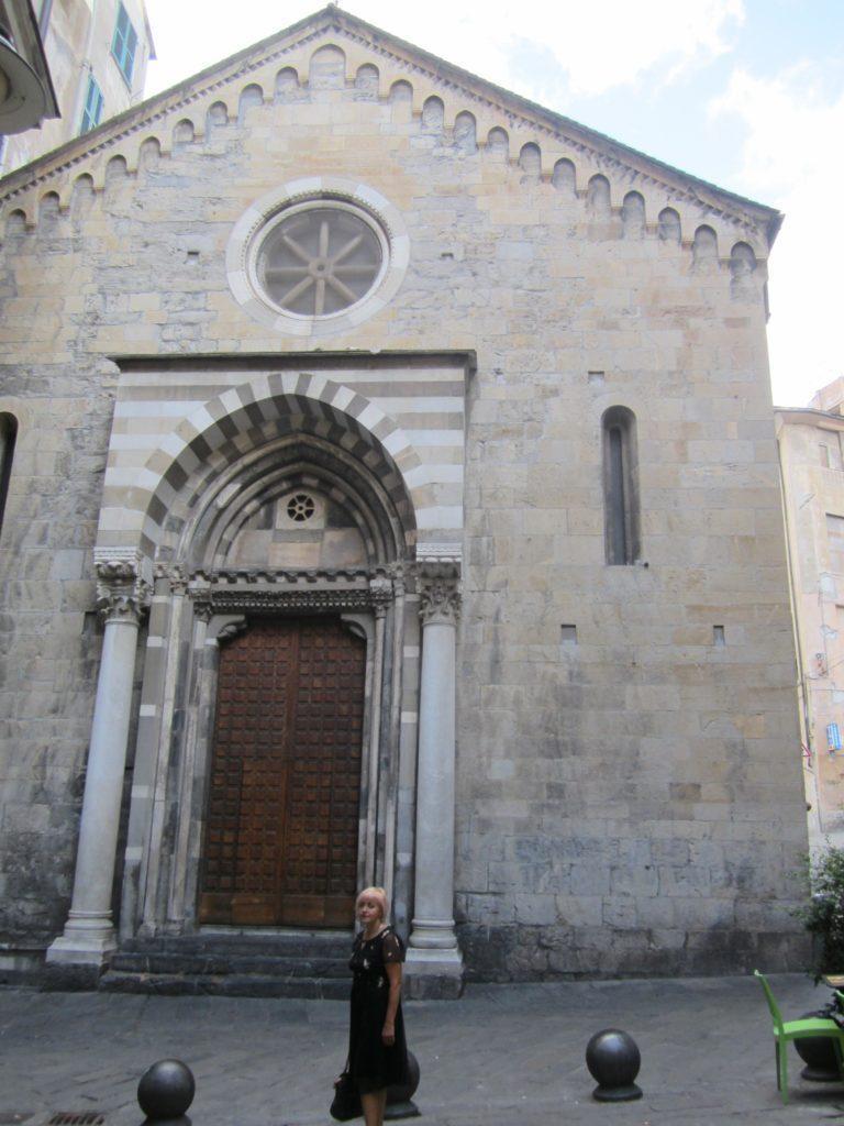 Фасад церкви св. Доната. Генуя