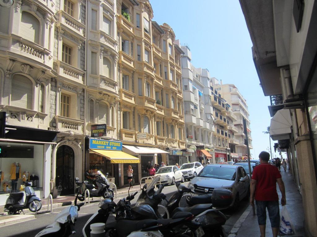 Ницца. От улицы Rue de France к морю.