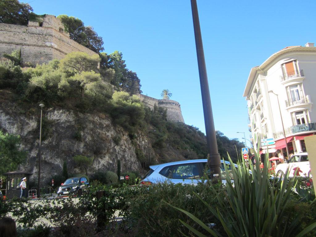 Монако. К княжескому дворцу