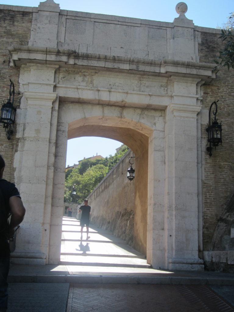 Дорога ко дворцу Гримальди. Монако