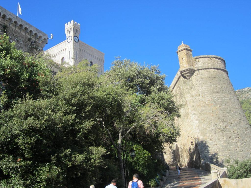 Монако. Дорога ко дворцу Гримальди